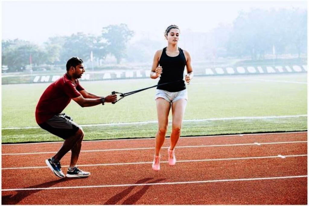 तपसी ने स्पोर्ट्स बेस्ड मूवी के लिए ली एथलेटिक की ट्रेनिंग