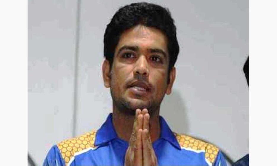 बंगाल में ममता सरकार को एक और झटका, खेल मंत्री लक्ष्मी रतन ने दिया इस्तीफा