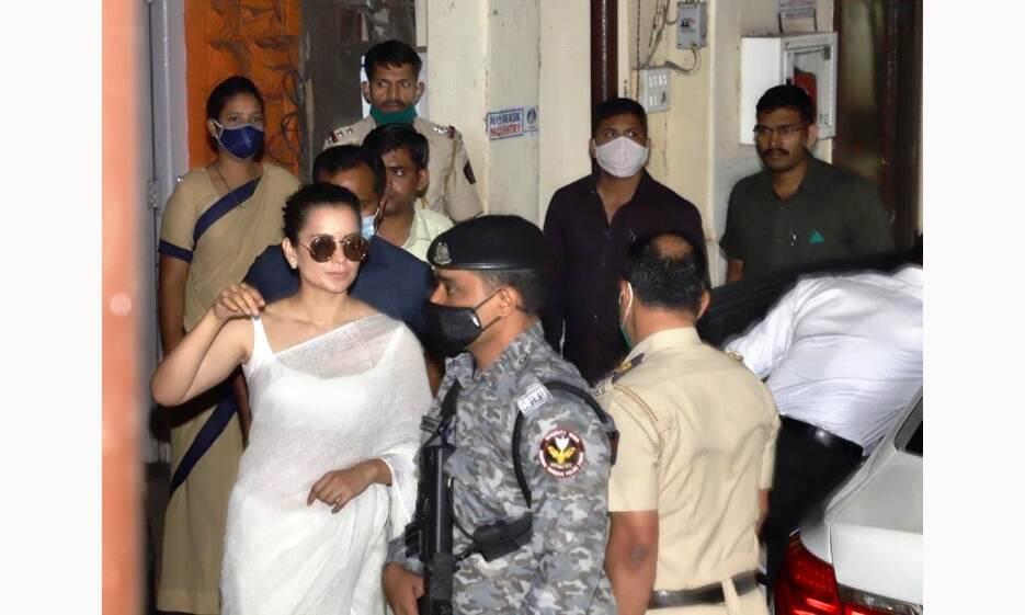 कंगना रनौत की बढ़ी मुश्किलें, बांद्रा पुलिस ने बयान दर्ज करने के लिए बुलाया