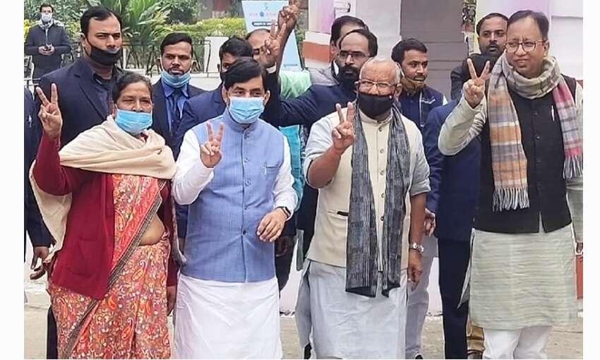 बिहार में शाहनवाज हुसैन ने भरा MLC के लिए नामांकन, विधायक बनना तय