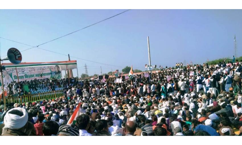 मुरैना में कांग्रेस की किसान पंचायत, कृषि कानून खेती का निजीकरण करेंगे : कमलनाथ