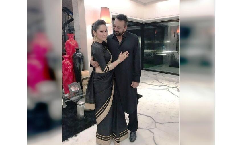 संजय दत्त ने तस्वीर शेयर कर मान्यता को दी शादी की सालगिरह की बधाई दी
