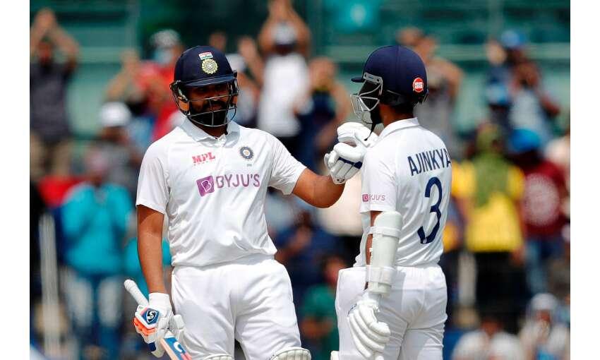रोहित शर्मा के शतक से भारत मजबूत, भारत ने पहले दिन बनाये 300 रन