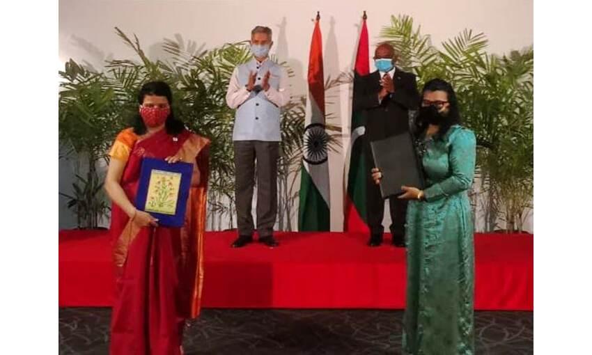 विदेशमंत्री एस जयशंकर पहुंचे मालदीव, एक लाख टीकों की खुराक सौंपी