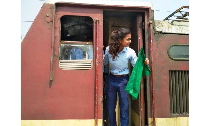 गॉर्ड, टीटी और पॉयलट बन महिला रेलकर्मियो ने किया ट्रैन का परिचालन