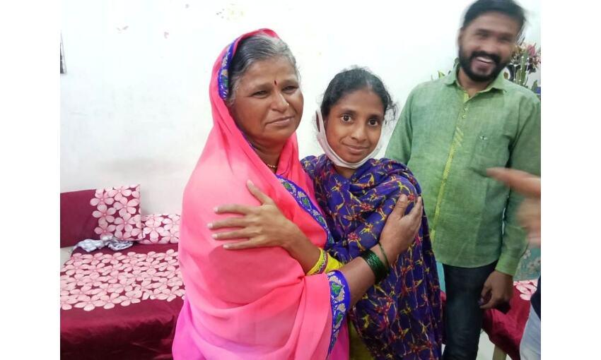 पाकिस्तान से 5 साल पहले आई गीता को मिली माँ, डीएनए टेस्ट के बाद सौंपा जायेगा