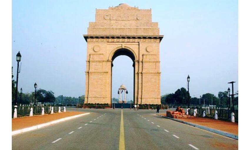 देश के कई राज्यों में कोरोना कर्फ्यू, दिल्ली में शुरू हुआ वीकेंड लॉकडाउन