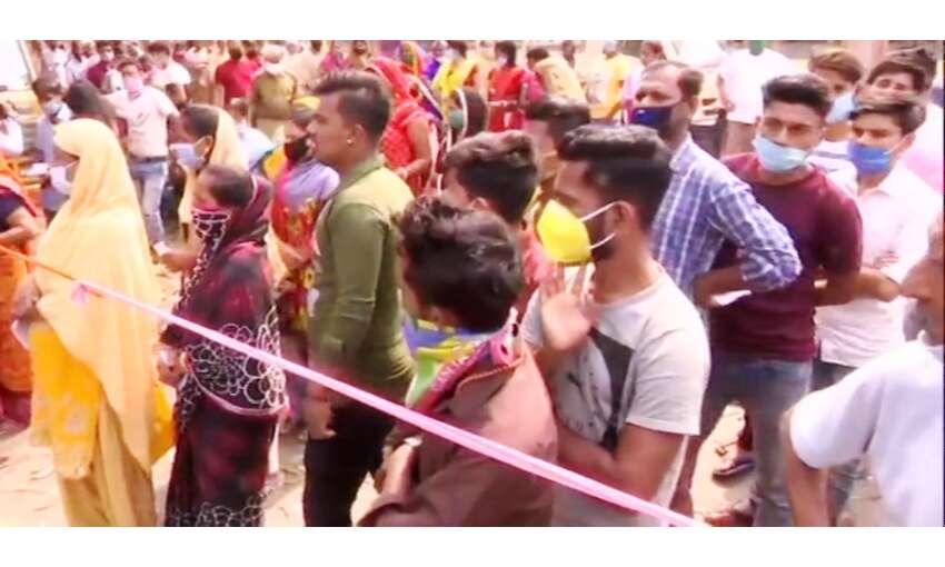प. बंगाल में छुटपुट हिंसा के बीच 78 फीसदी मतदान, जलपाईगुड़ी में सर्वाधिक वोटिंग