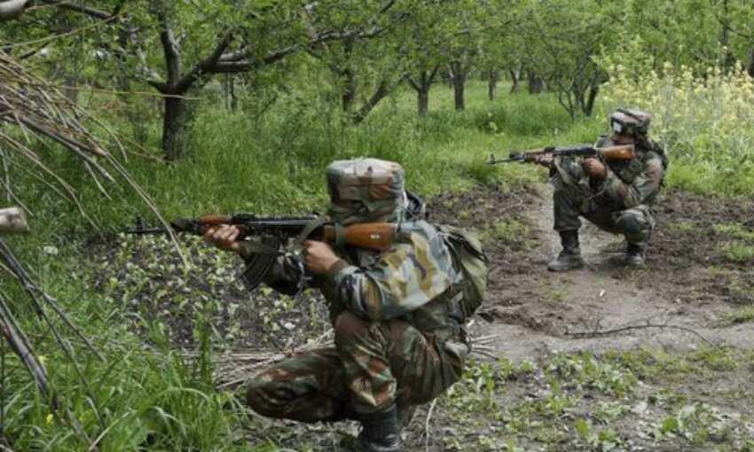कश्मीर में आतंक पर प्रहार : शोपियां में सुरक्षा बलों ने दो आतंकियों को मार गिराया