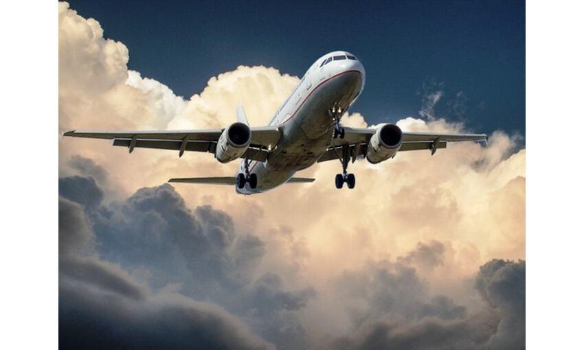 ब्रिटेन के हीथ्रो एयरपोर्ट ने भारत से आने वाली उड़ानों पर लगाया प्रतिबंध