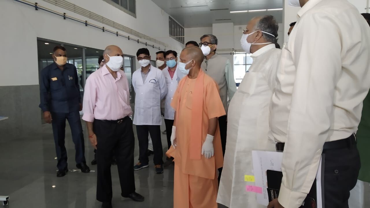 सीएम योगी ने लखनऊ में 100 बेड के कोविड अस्पताल को दी हरी झण्डी