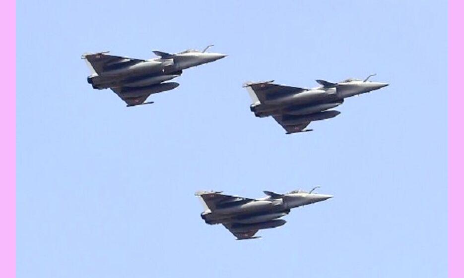 फ़्रांस से भारत पहुंचे 3 और राफेल,  दूसरी स्क्वाड्रन का बनेंगे हिस्सा