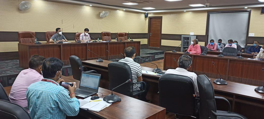 वाराणसी: ईलाज के अभाव में किसी की गई जान तो ग्रामीण नोडल अधिकारी होंगे जिम्मेदार-डीएम
