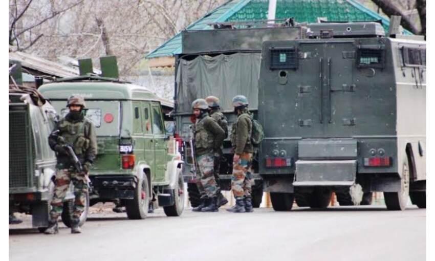 अनंतनाग में सुरक्षाबलों और आतंकियों के बीच मुठभेड़, 3 आतंकी ढेर