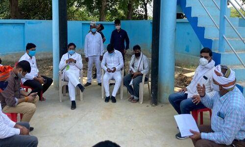 वाराणसी: नवनिर्मित पानी टंकी में रिसाव देख भड़के कैबिनेट मंत्री अनिल राजभर