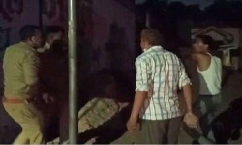 लॉकडाउन में दुकान बंद कराने गये चिनहट के दो सिपाहियों पर हमला