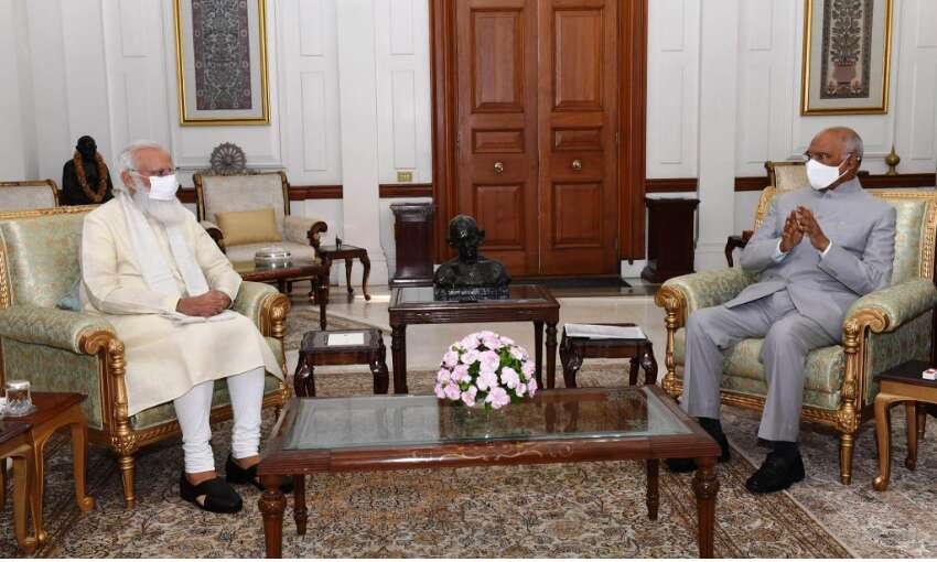 प्रधानमंत्री मोदी ने राष्ट्रपति कोविंद से की मुलाकात, विभिन्न मुद्दों की दी जानकारी