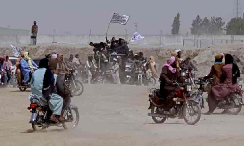 अफगानिस्तान के सीमांत क्षेत्रों पर तालिबान ने जमाया कब्जा, व्यापार हो रहा प्रभावित