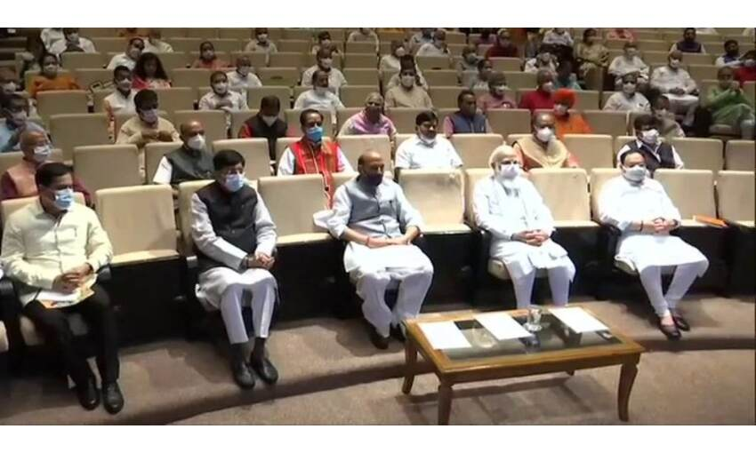 प्रधानमंत्री मोदी ने भाजपा सांसदों को दिया निर्देश, कहा- विपक्ष का चेहरा उजागर करें