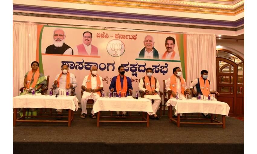 बसवराज बोम्मई के सिर सजा कर्नाटक के मुख्यमंत्री का ताज, कल 3 बजे लेंगे शपथ