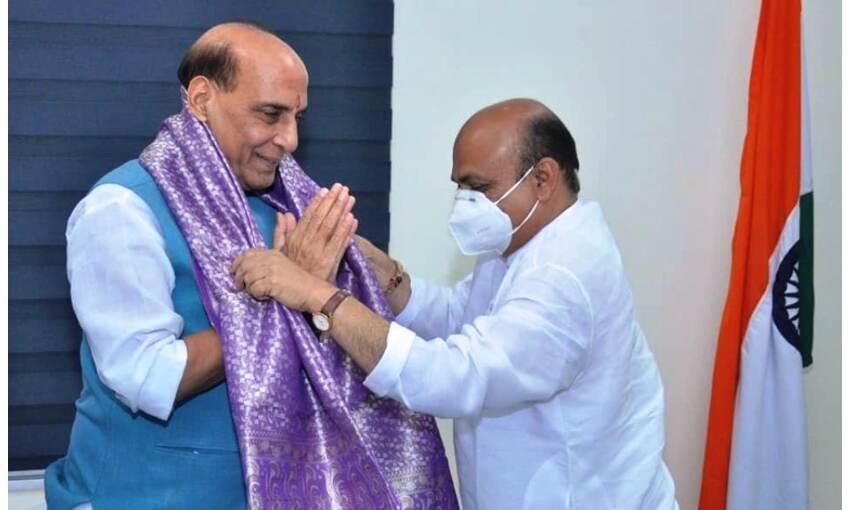 कर्नाटक के मुख्यमंत्री की पहली दिल्ली यात्रा, शाह, राजनाथ सहित कई मंत्रियों से की मुलाकात