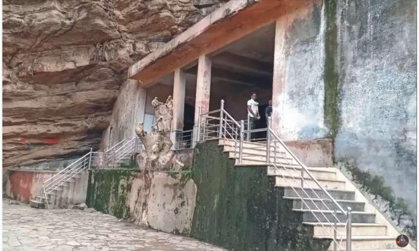 राजस्थान के शिव मंदिर से सिंधिया राजवंश को मिला था आशीर्वाद , दान में दे दी थी 250 बीघा जमीन