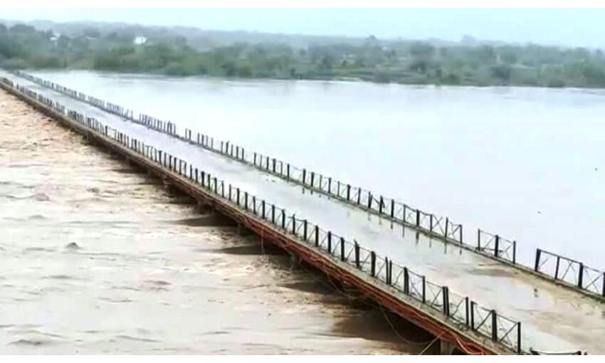 मुरैना में नदियों का जल स्तर बढ़ा, कई गांव से टूटा संपर्क