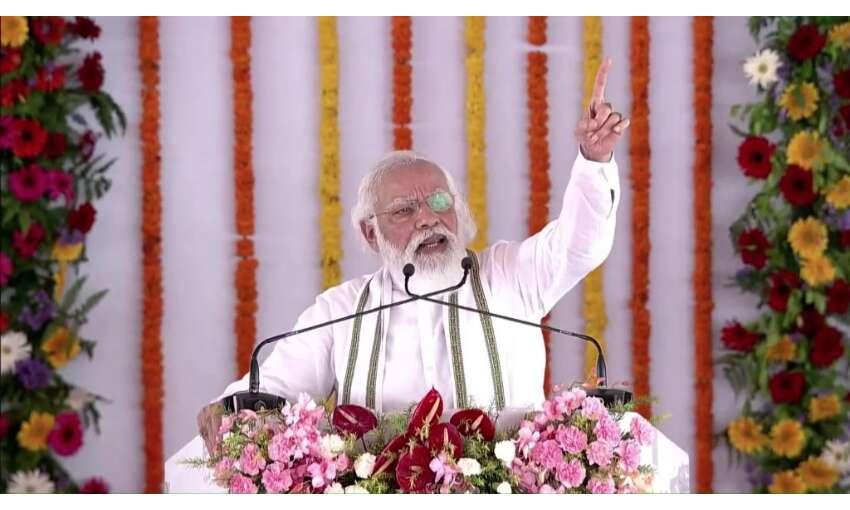 प्रधानमंत्री ने की योगी सरकार की तारीफ, कहा - यूपी विभिन्न क्षेत्रों में नंबर 1 बना