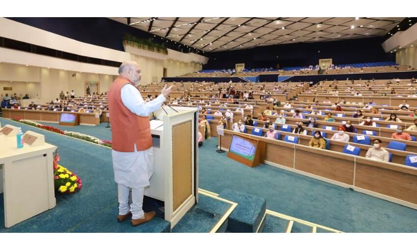 हिन्दी भाषा अन्य भारतीय भाषाओं की सखी है, इनमें कोई अंतर नहीं : गृहमंत्री शाह