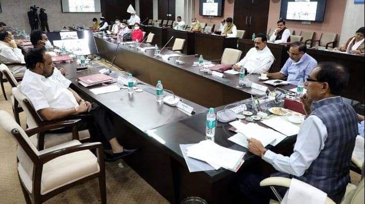 मप्र में वैक्सीनेशन महाअभियान 3.0 की तैयारी, मुख्यमंत्री ने 52 जिलों के क्राइसिस ग्रुप सदस्यों से की चर्चा