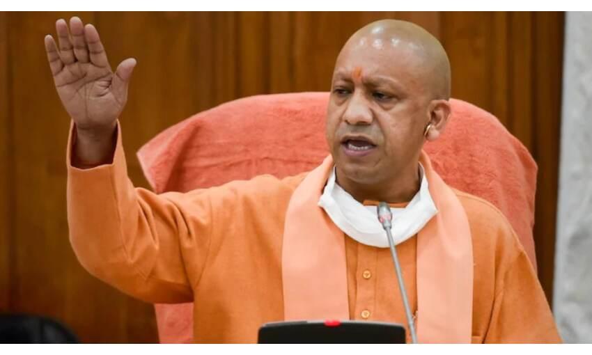 मुख्यमंत्री आदित्यनाथ ने की बैठक, बाढ़ प्रभावित क्षेत्रों में राहत पहुंचाने के दिए निर्देश