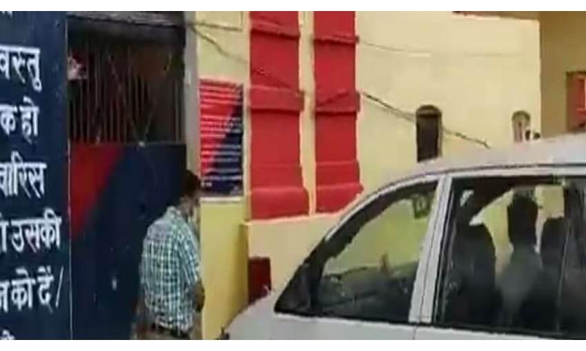 मनी लांड्रिंग केस : ED की टीम पहुंची जेल, सपा सांसद आजम खान से की पूछताछ