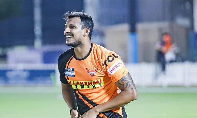 IPL में कोरोना की एंट्री, सनराइजर्स हैदराबाद के गेंदबाज टी नटराजन संक्रमित