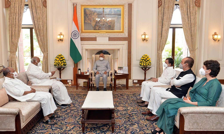 लखीमपुर खीरी घटना का विपक्ष ने किया राजनीतिकरण, राष्ट्रपति से मिला कांग्रेस प्रतिनिधिमंडल