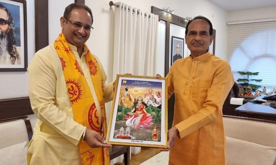 श्रद्धा और पात्रता बढ़ाने का पर्व है नवरात्र : डॉ चिन्मय पण्ड्या