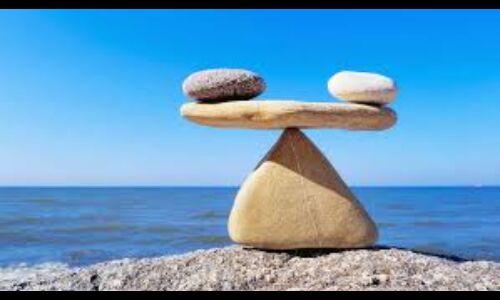 संतुलन में रहना ही सबसे बड़ा धर्म है