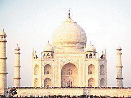 ताज महल को गोद नहीं देना चाहता पर्यटन विभाग