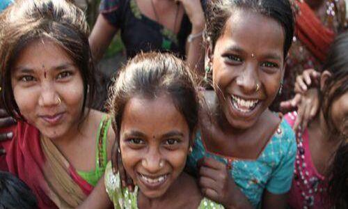 भारत में तेजी से घट रही है गरीबी