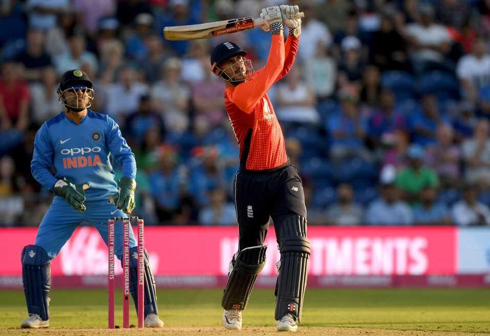 इंग्लैंड ने पांच विकेट से जीता मैच, सीरीज 1-1 से बराबर
