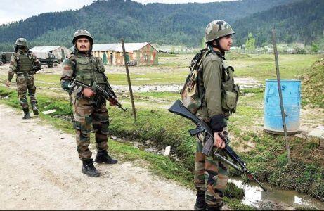 सुरक्षा बलों ने कुपवाड़ा जिले में एक आतंकी मार गिराया