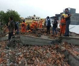 गाजियाबाद में निमार्णाधीन पांच मंजिला इमारत गिरी, दो मरे