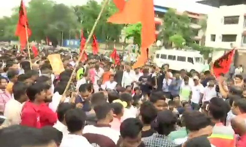 मराठा क्रांति मोर्चा ने मुंबई बंद का आंदोलन वापस लिया, हिंसा के लिए सरकार जिम्मेदार