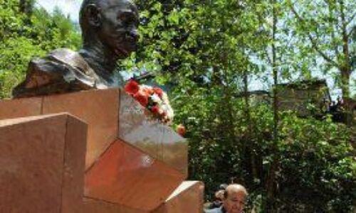 युगांडा : नील नदी के उद्गम जिन्जा में बनेगा गांधी स्मारक, मोदी को याद आई गुजरात सीएम कार्यकाल की दोस्ती