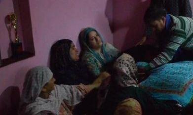 पुलवामा में आतंकवादियों ने सीआरपीएफ के जवान को मारी गोली