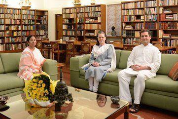 ममता ने सोनिया-राहुल से की मुलाकात, पीएम उम्मीदवार पर चर्चा नहीं