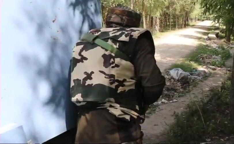 जम्मू : सोपोर में दोबारा मुठभेड़ शुरू, पुलिसकर्मी व सेना का जवान घायल