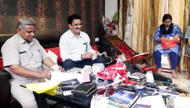इंदौर में लोकायुक्त ने मारा छापा, निगम कर्मचारी निकला करोड़ों का मालिक