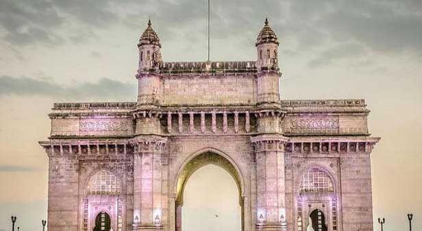 मुंबई के गेटवे ऑफ इंडिया का नाम बदलने की मांग
