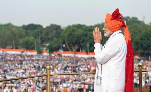 भगवा साफा पहनकर प्रधानमंत्री ने राष्ट्र को संबोधित किया, समापन के बाद बच्चों से मिले और हंस पड़े