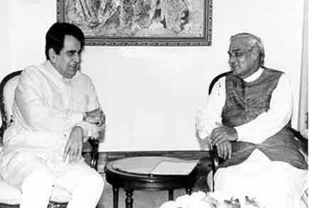 कारगिल युद्ध के समय अटलजी ने नवाज शरीफ को फोन लगाकर दिलीप कुमार से कराई थी बात